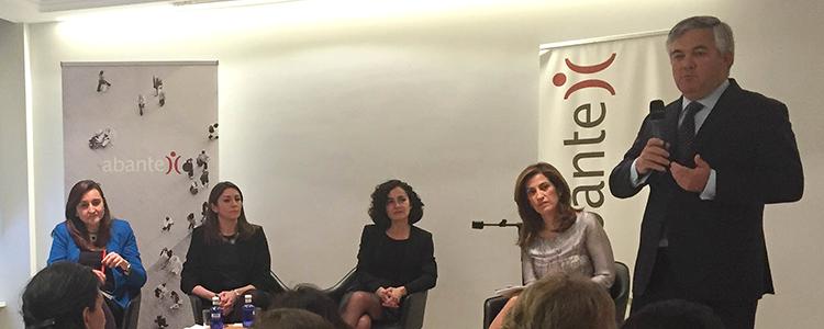 Abante evento mujer y decisiones inversión 2