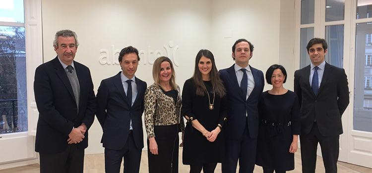 Alberto Espelosin, Alvaro Lana, Moira Guelbenzu, Nerea Satrústegui, Ignacio García, Ángela Escoriaza y Gonzalo Revuelta
